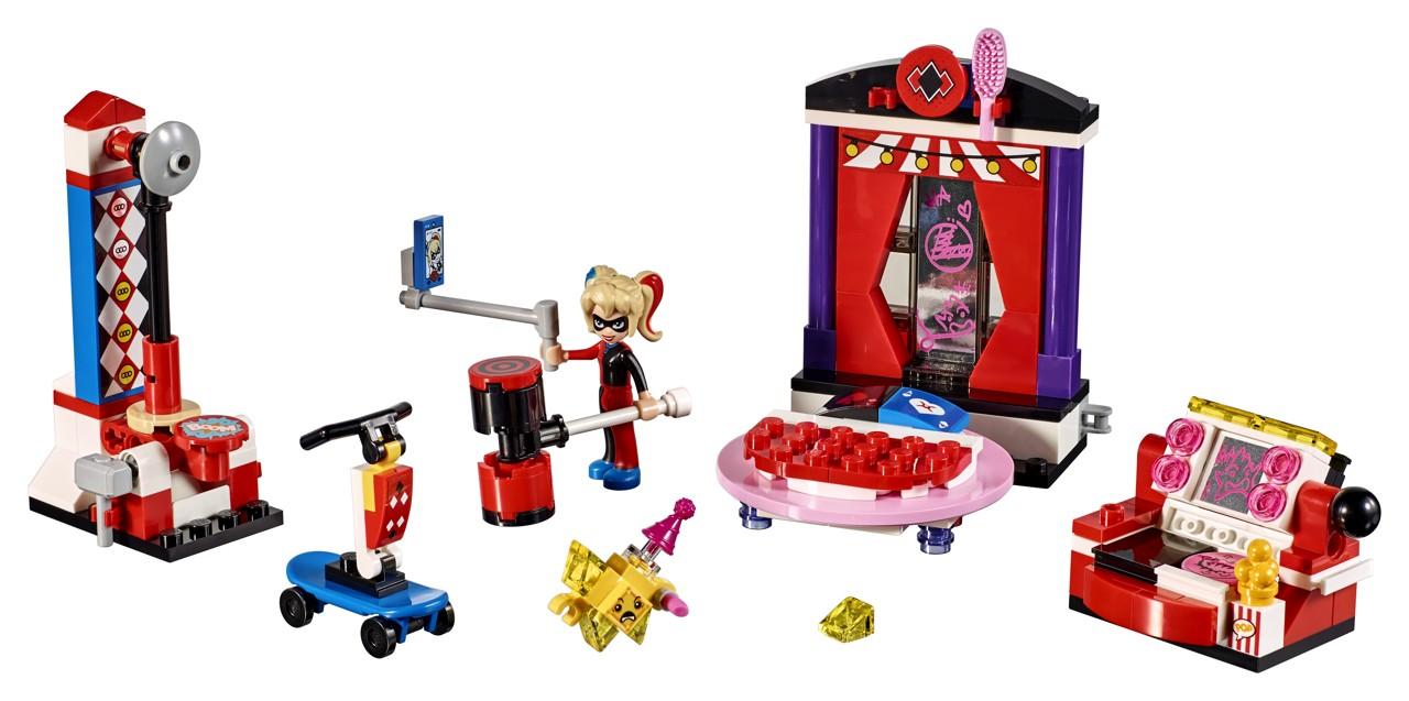 LEGO DC Super Hero Girls 41236 Studentská kolej Harley Quinn™