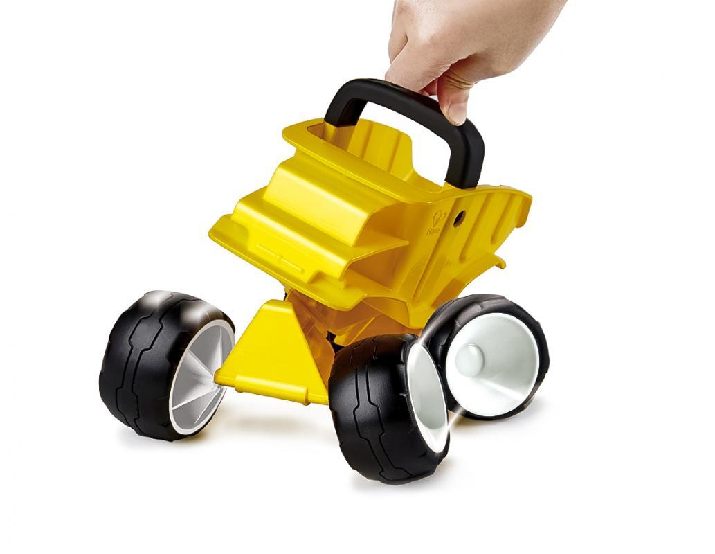 HAPE Hračka na písek - Bugina žlutá