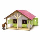 Dřevěná stáj pro koně s dílnou