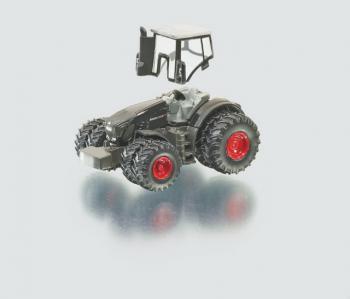 SIKU Farmer - traktor Fendt s pluhem