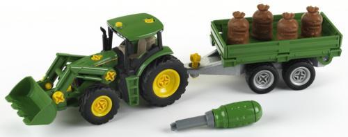 John Deere Traktor s přívěsem