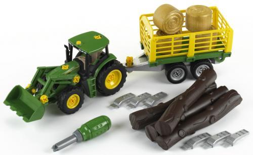 John Deere Traktor s přívěsem na dřevo a seno