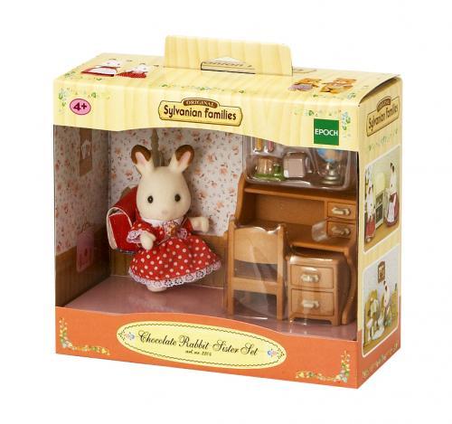 """Nábytek """"chocolate"""" králíků - sestra u psacího stolu"""