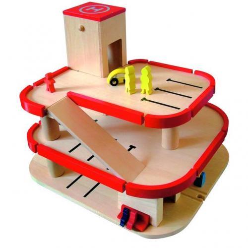 Woody Třípodlažní garáž s příslušenstvím