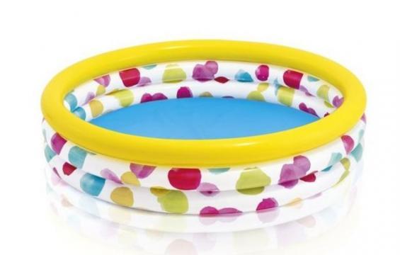 Bazén s puntíky